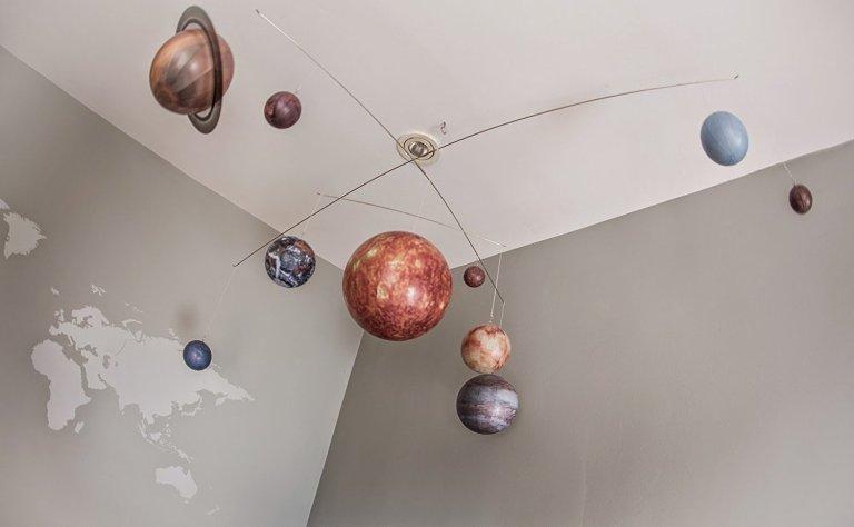 hanging-solar-system-mobile